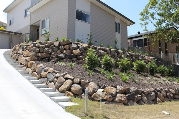 retaining walls gold coast example 2